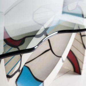 mesa gaudi detalle sobre cristal