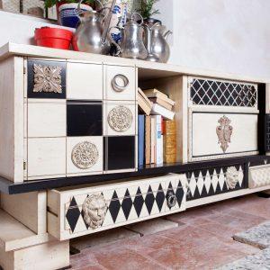 mesa tv vintage detalle de lado