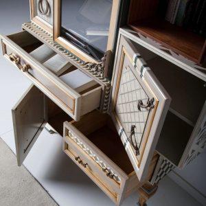 armario one detalle puertas y cajones abiertos