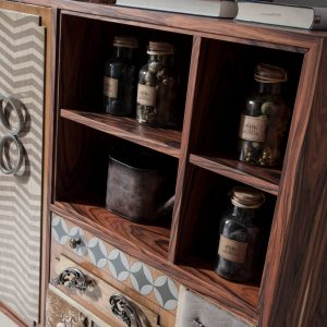 armario punk detalle estantes