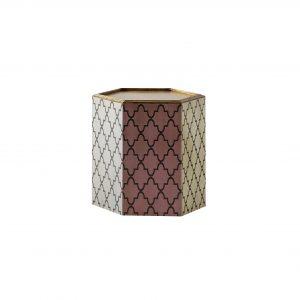 mesita hexagonal 2 con acabados en marfil, gris dorado y arena