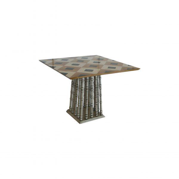 tavolino con pata en acabado plata y sobre diferente acabado