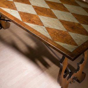 mesa damada detalle sobre