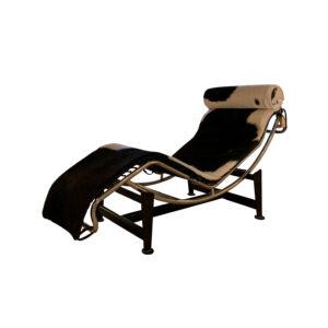 chaiselongue le corbusiere en fondo blanco