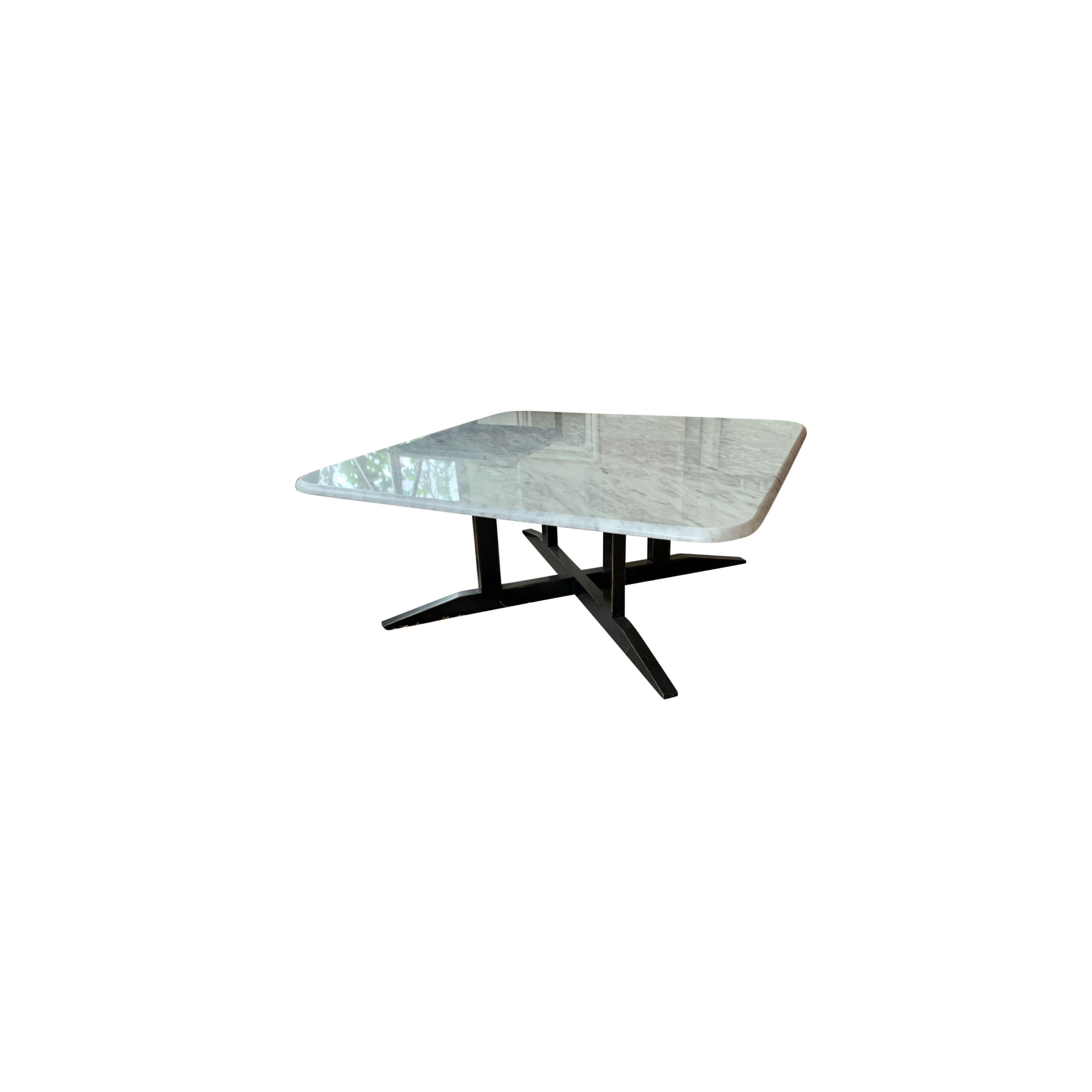 mesa de centro marmol pequeña en fondo blanco