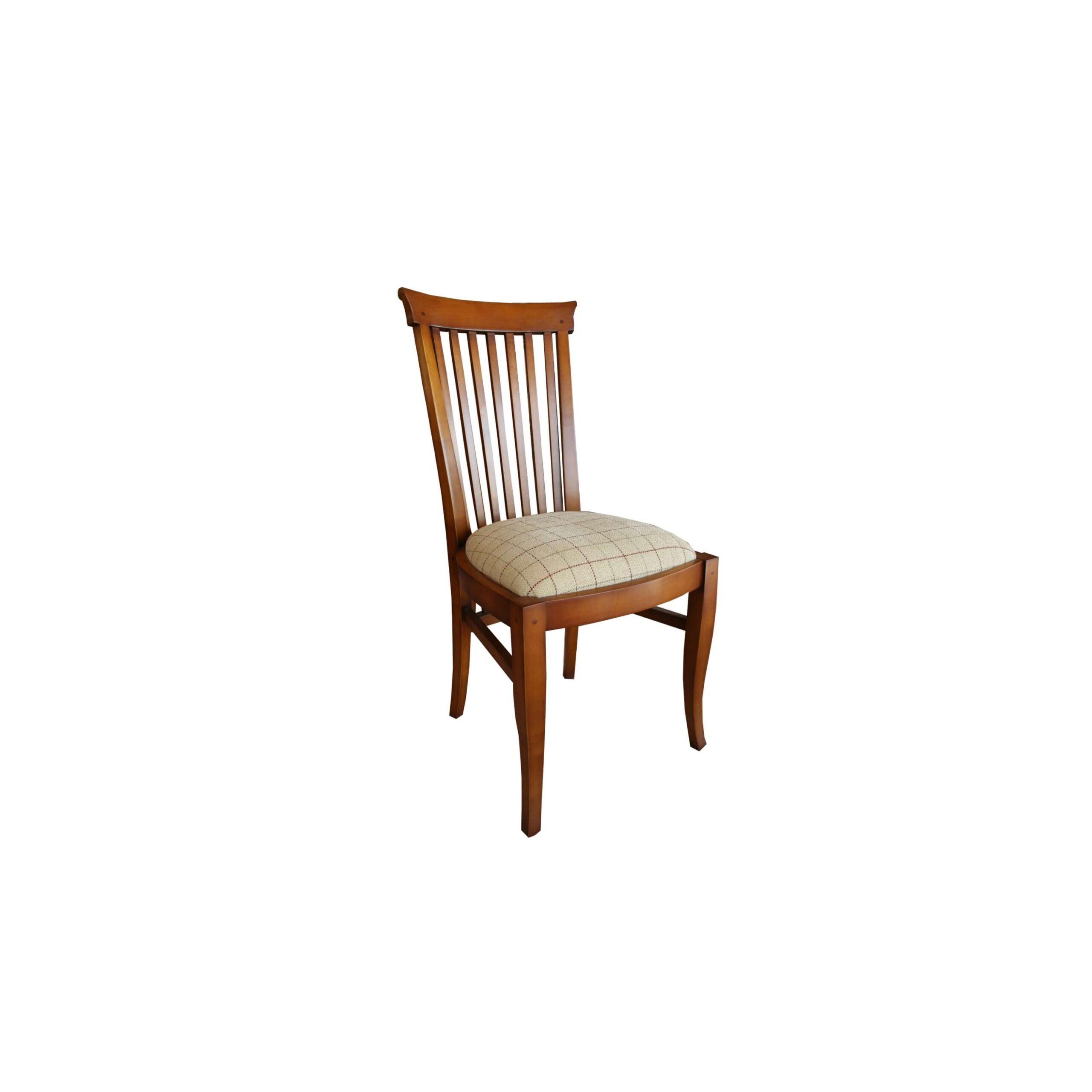 silla piola en fondo blanco